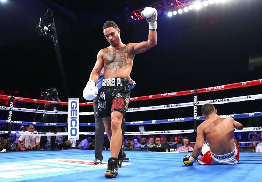 """New Orleans """"shows out,"""" shows it's a boxing city once again"""