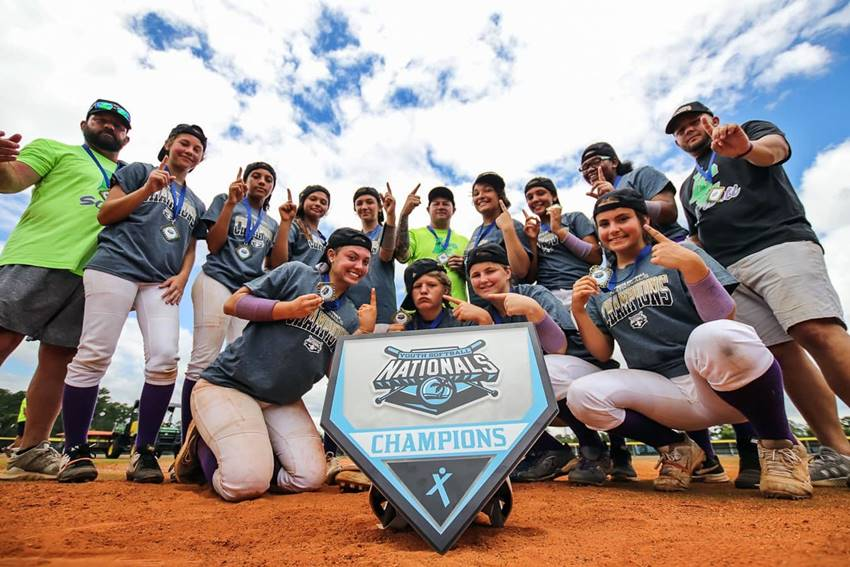 Lunachicks 2020 National U14 softball champions