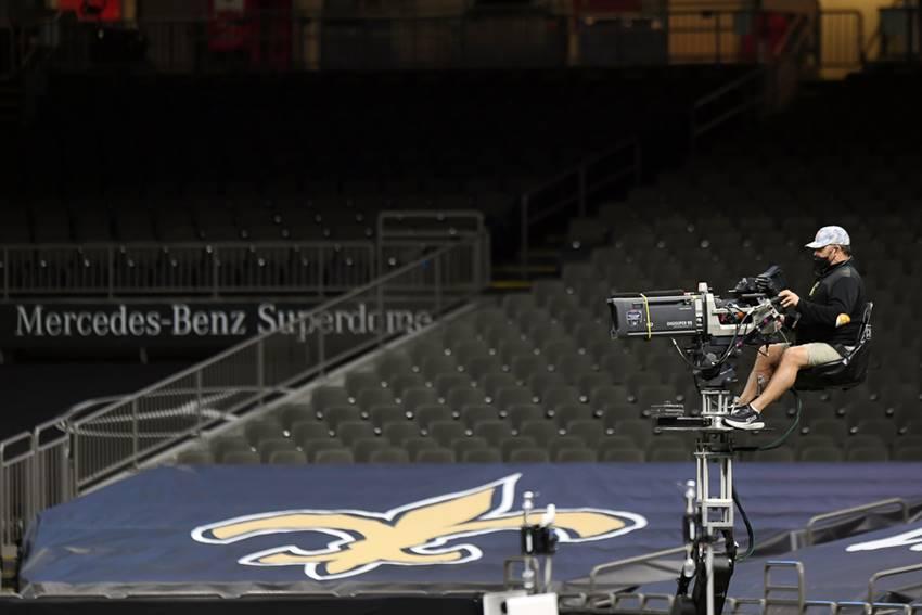 Saints in empty Superdome