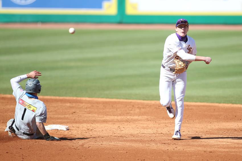 Noo. 7 LSU opens season with 6-1 win over Air Force